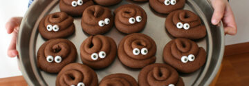 Take your kids by the hand and make these funny poop ccokies using the Airfryer